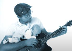 Porträt Gitarre Spielender Mann